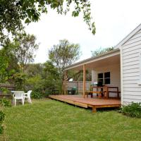 Foto Hotel: Sorrento Beach Cottages No.1 - in the heart of Sorrento, Sorrento