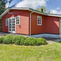 Fotos do Hotel: Three-Bedroom Holiday Home in Hals, Hals