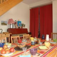 Hotel Pictures: Chalet l'Angélique, Bolquere Pyrenees 2000