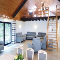 Hotelbilleder: Five-Bedroom Apartment in Immerath, Immerath