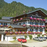Hotel Pictures: Hotel Edelweiß Garni, Reit im Winkl