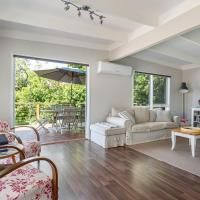 Zdjęcia hotelu: Blairgowrie Bella - light filled home with great deck, Blairgowrie