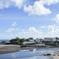 Hotel Pictures: Gwylan Apartment, Tenby