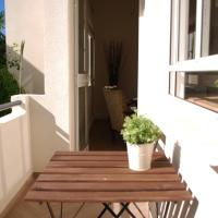 Two-Bedroom Apartment with Small Balcony - King George 74