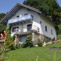 Hotelbilleder: Ferienwohnung Regentalblick, Miltach