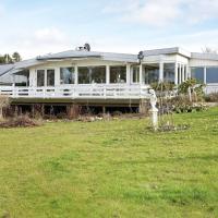 ホテル写真: Three-Bedroom Holiday home in Roskilde, Kirke-Hyllinge