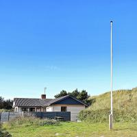 Hotelbilleder: Three-Bedroom Holiday home in Ringkøbing 19, Søndervig