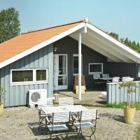 Hotellbilder: Two-Bedroom Holiday home in Hejls 12, Hejls
