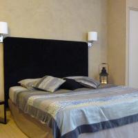 Hotel Pictures: Chambre d'Hôtes L'Étape du Château, Bruniquel