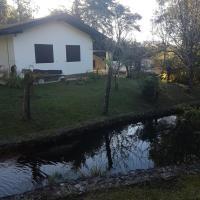 Hotel Pictures: Chalés do Lago, Camanducaia