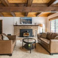 Hotel Pictures: Spacious Truckee Cabin for 12, Truckee