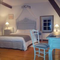 Hotel Pictures: La Maison du Prince de Condé, Charroux-d'Allier