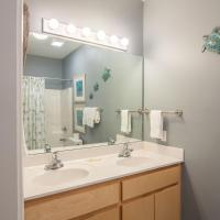 Hotel Pictures: 328 Hidden Lakes Way Home, Santa Rosa Beach