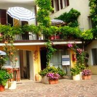Hotelbilleder: La Fattoria Apartments 2, Lazise