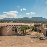 Hotellbilder: 4 Bedroom - 20 Min. Walk to Plaza - La Loma Vista, Santa Fe
