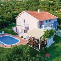Hotelbilleder: Three-Bedroom Holiday Home in Mlini, Mlini