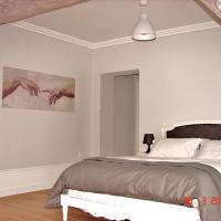 Hotel Pictures: Table et Chambres d'Hôtes Le Colombier, Sourdon