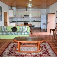 Фотографии отеля: Holiday Home Eiro do Caserío, Barciademera