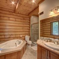 Hotel Pictures: Chalet Nanook of the North, Labelle