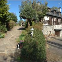 Hotel Pictures: Chambres d'Hôtes Le Moulin du Pont, Saint-Bonnet-de-Salers