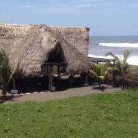 Foto Hotel: Casa Macano Surf-Yoga, El Paredón Buena Vista