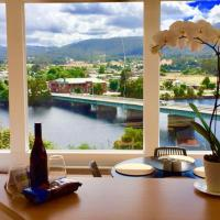 Foto Hotel: Linda House Huonville, Executive Accommodation 30 mins South of Hobart, Spectacular River Views, Huonville