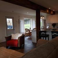 Hotel Pictures: Brookside Cottage, Mulmur