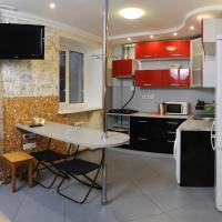 Hotel Pictures: Omsk Sutki Apartments on Ilyicheva 6, Omsk