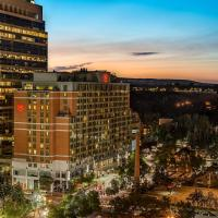 Hotel Pictures: Sheraton Suites Calgary Eau Claire, Calgary
