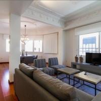 Classic Three-Bedroom Apartment with Terrace - Barcelonina, 3