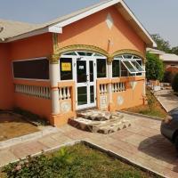 Hotel Pictures: Off-Town Lodge, Dormaa Ahenkro