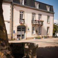Hotel Pictures: La Glycinière Chambres d'Hôtes, Pont-Croix