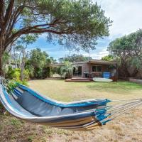 Hotellbilder: Tasman Surf House - so close to the beach, Rye