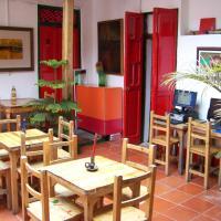 Hotel Pictures: Hostal Baluarte De La Candelaria, Bogotá