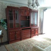 Hotel Pictures: Уютная квартира с видом на горы и море, Novorossiysk