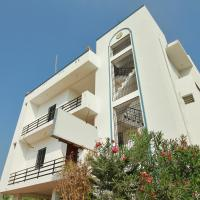 Hotel Pictures: OYO 11957 Home Compact 2BHK Auroville, Pondicherry