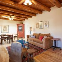 Hotel Pictures: 245 Rael Road Home, Santa Fe