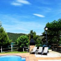 Фотографии отеля: Casa Rural Junto Al Lago, La Baronia de Rialb