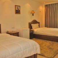 Фотографии отеля: Sun Shine Hotel, Futungo de Belas