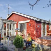 Hotelbilder: Three-Bedroom Holiday Home in Ebeltoft, Ebeltoft