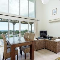 Fotos do Hotel: Joya Cyprus Silk Garden Apartment, Ayios Amvrosios
