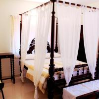 Hotel Pictures: Sun N Sand Apartments, Candolim