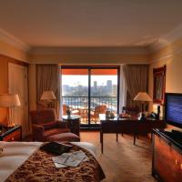 Club Queen Room with Two Queen Beds with City View