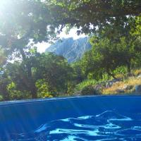 Foto Hotel: Holiday house with pool, Omiš
