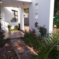 Foto Hotel: Pleasant Garden Guesthouse, Gaborone