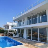 "Foto Hotel: Al Nuzha Villa ""5 Bedroom Holiday Home with Majestic Sea Views"", Kalkan"