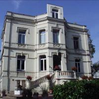Hotel Pictures: Domaine de l'Oie Rouge, Les Rosiers