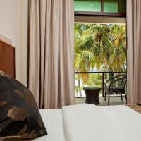 Deluxe Triple Room with Balcony and Sea View