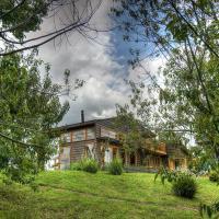 Hotel Pictures: Casa del rio, Radal