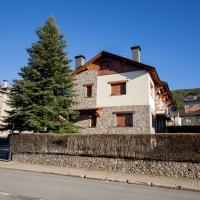 Hotel Pictures: Casa amb jardí Alp, Alp